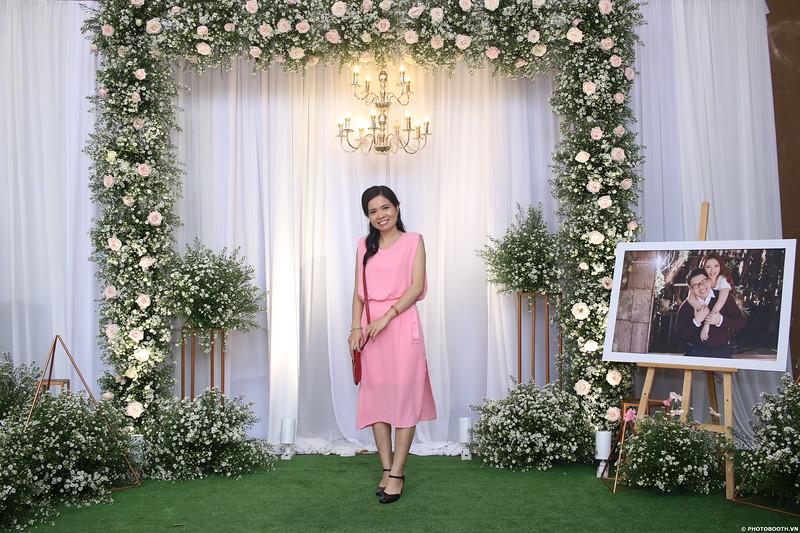 Vy-Cuong-wedding-instant-print-photo-booth-in-Bien-Hoa-Chup-hinh-lay-lien-Tiec-cuoi-tai-Bien-Hoa-WefieBox-Photobooth-Vietnam-057.jpg
