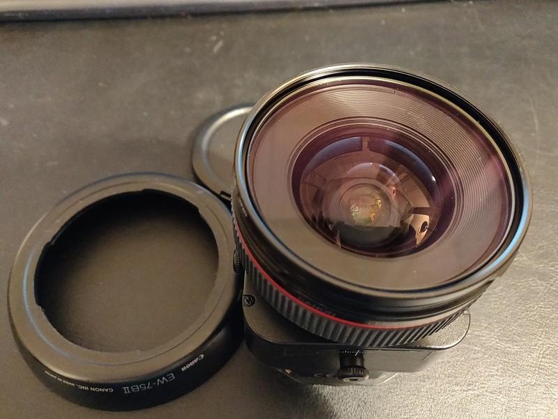 Canon TS-E 24mm 3.5 L - Serial UX0205 005.jpg