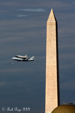 Discovery Flyover of Washington DC