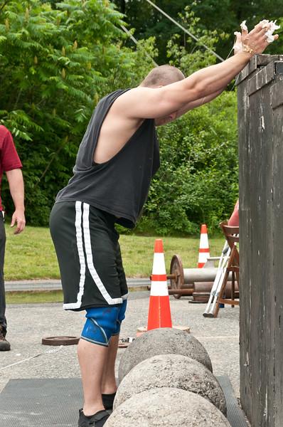 Fitness Revolution Strongman Challenge 2011_ERF4537.jpg