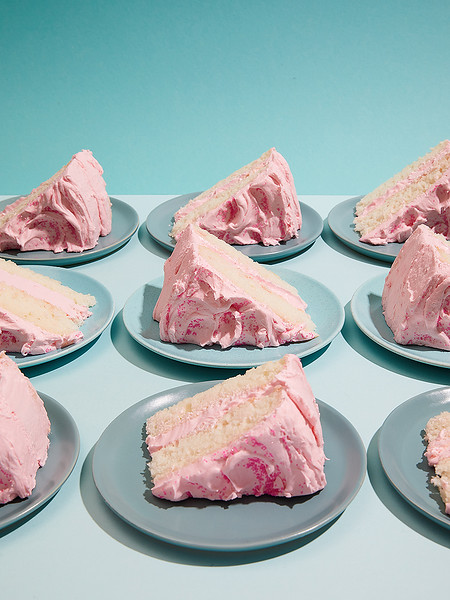 Creative-Space-Artists-photo-agency-photo-rep-food-stylist-diana-yen-silver_cake_with_pink_frosting.jpg