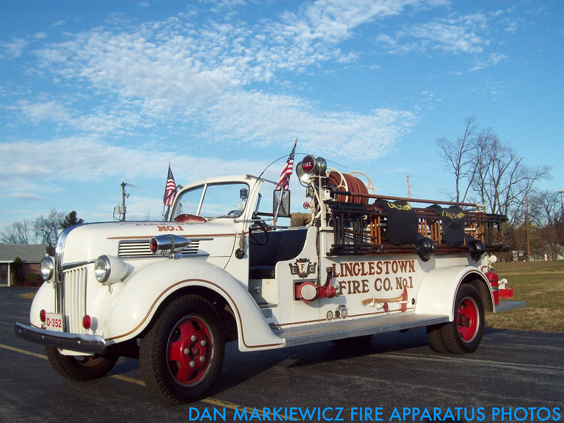 LINGLESTOWN FIRE CO. ANTIQUE 1941 FORD/DARLEY PUMPER