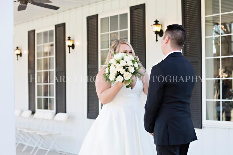 Hillary_Ferguson_Photography_Melinda+Derek_Getting_Ready371.jpg