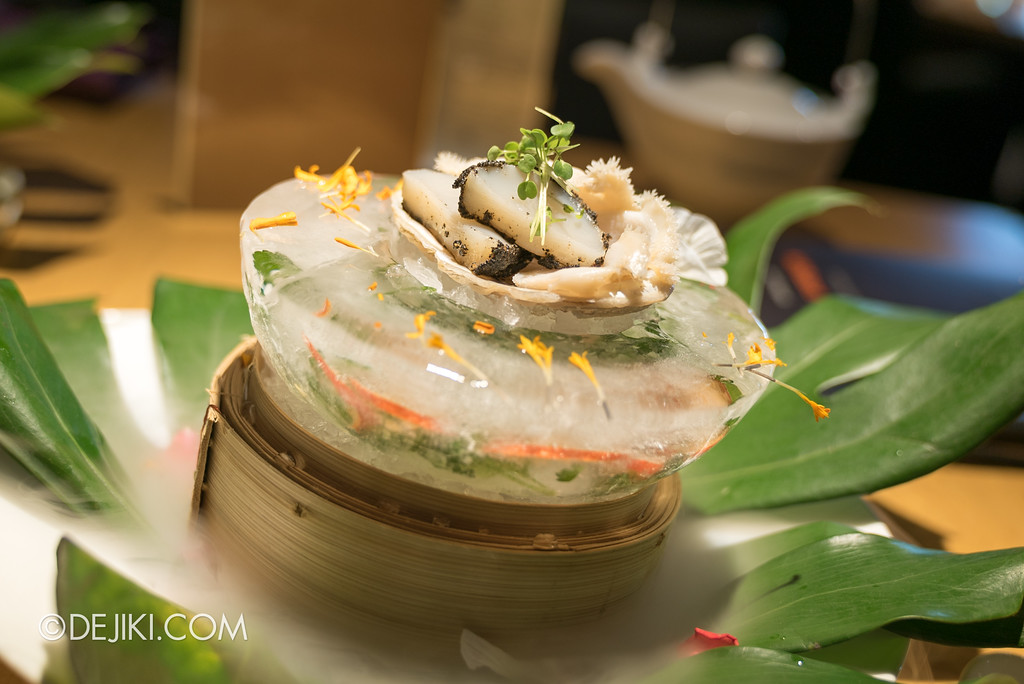 Resorts World Sentosa - RWS Invites membership dining promotion at Tung Lok Heen - Fresh Abalone, Hokkaido Scallop served with Yuzu Sesame Sauce and Yuzu Soya Sauce