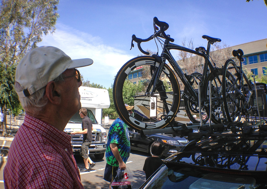 . Teams begin to unload for the start of the Amgen Tour of California at the Valencia Town Center mall Wednesday.  Stage 4 of the Amgen Tour of California started in Santa Clarita and ended in Santa Barbara.  Photo by David Crane/Staff Photographer