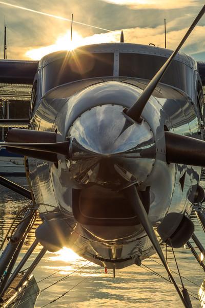 Seaplane in sunset-4769.jpg