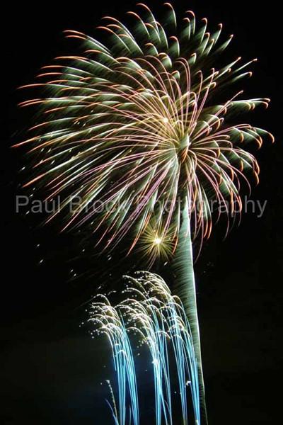 2005_1028tootingfireworks073_edited-1001.jpg