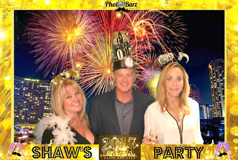 Shaws NYDay Party (43).jpg