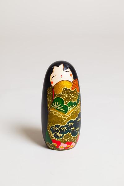 Kokeshi-color-1.jpg