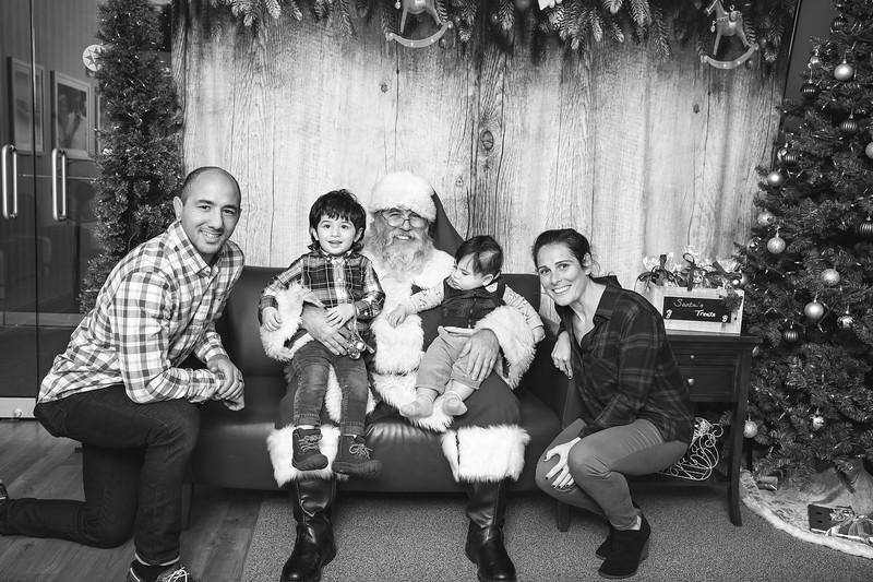 Ameriprise-Santa-Visit-181202-5002-BW.jpg