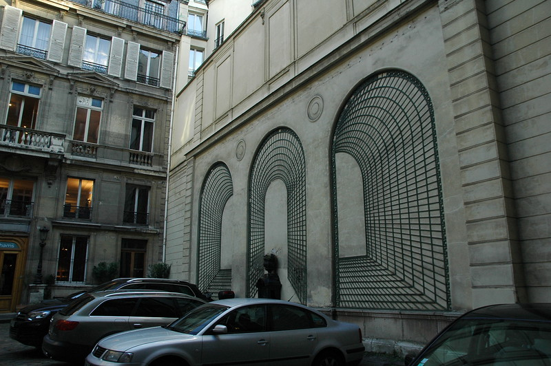 Paris12_0119.JPG