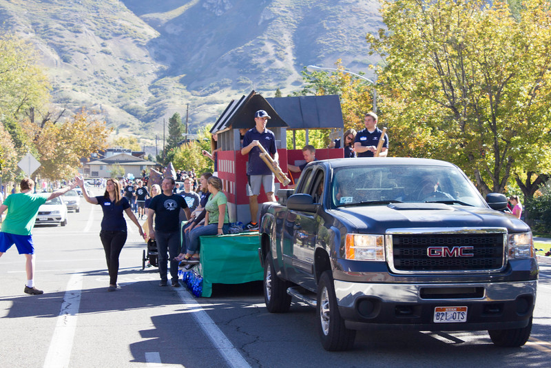 2015_10_10_Homecoming_Parade_7854.jpg