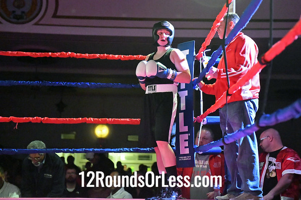 Bout #9:  Sarah Judy, Blue Gloves, Old Angle BC, Twinsburg, OH  vs  Colleen Davis, Red Gloves, Ray Schafer Boxing, Pittsburgh, PA,  141 Lbs.-Novice