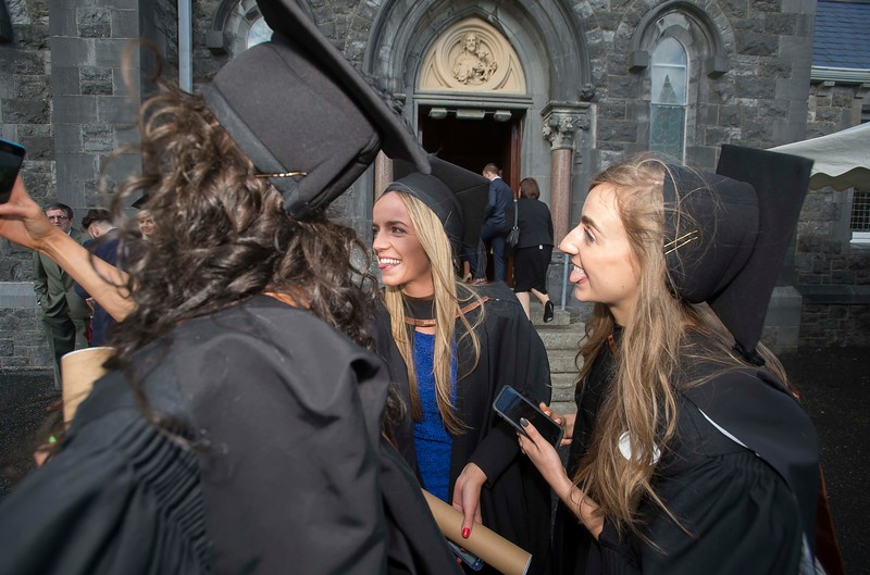 28/10/2015. Waterford Institute of Technology Conferring. Pictured are Niamh Deegan, Kilkenny and Emma Ayres from Kilkenny who graduated BA (Hons) in Social Care. Picture: Patrick Browne