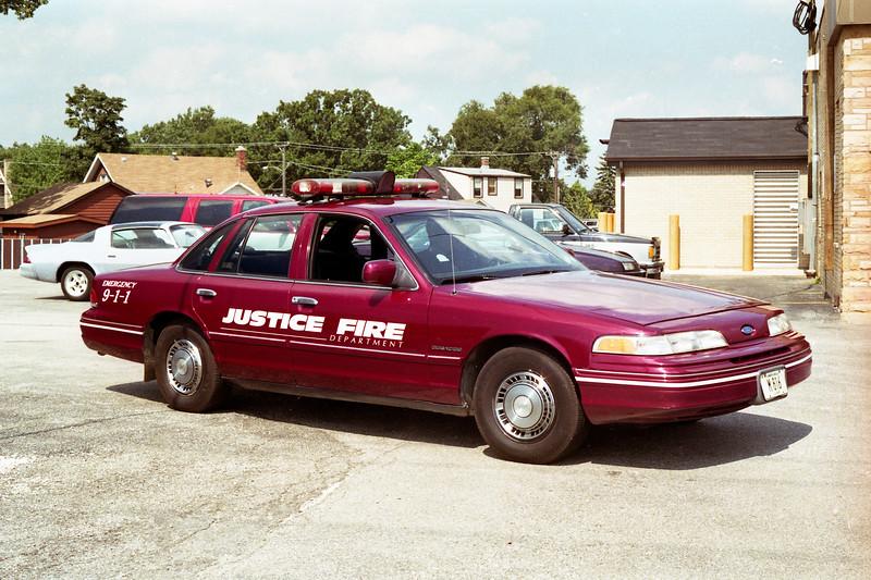 JUSTICE CAR 550   1992  FORD CROWN VIC.jpg