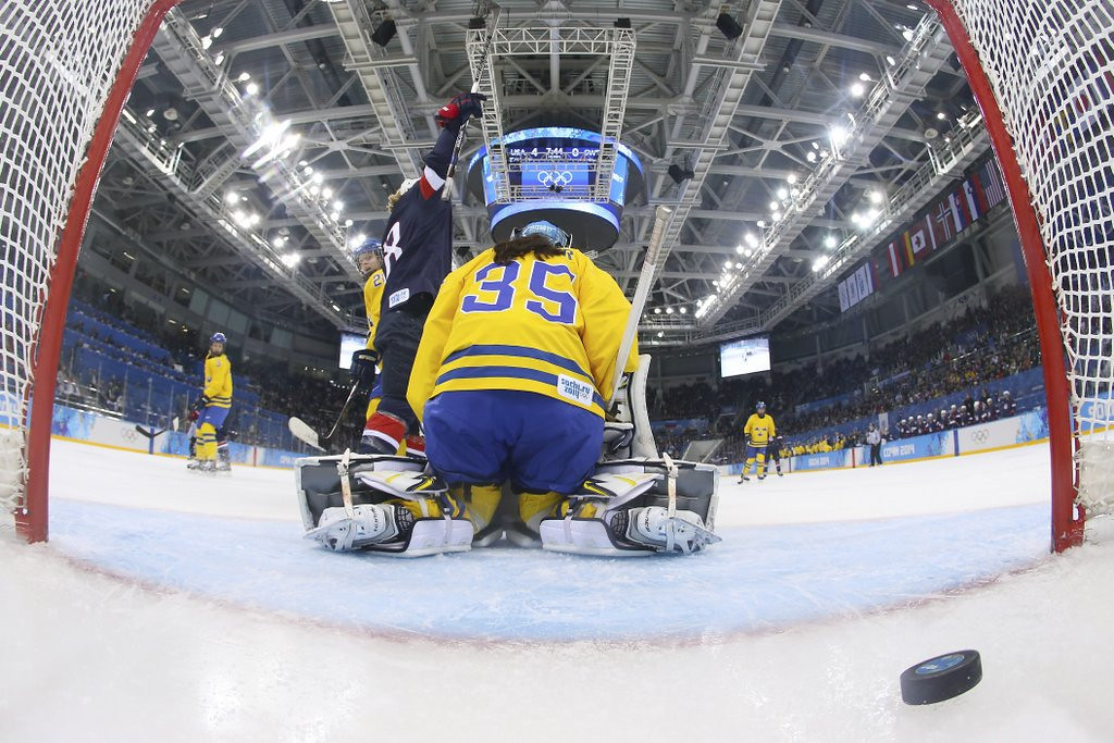 """. <p>10. (tie) SWEDEN <p>Back to being mere road kill in women�s hockey. (previous ranking: unranked) <p><b><a href=\' http://www.twincities.com/sports/ci_25162143/womens-hockey-u-s-outclasses-sweden-6-1\' target=\""""_blank\""""> HUH?</a></b> <p>    (AP Photo/Bruce Bennett, Pool)"""