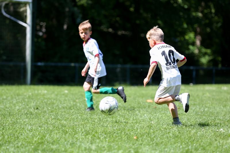 hsv_fussballschule-539_48048027847_o.jpg