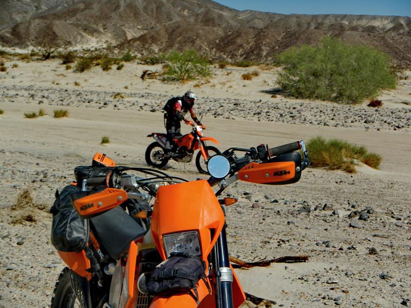 MojaveTrailMayhem2012-04-28 09-13-35.JPG