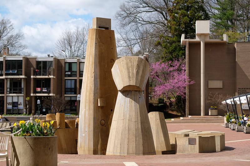 08-Lake-Anne-Plaza-fountain-06-Charlotte-Geary.JPG