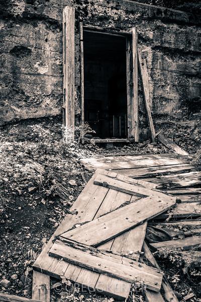 Old storage building in Cornucopia