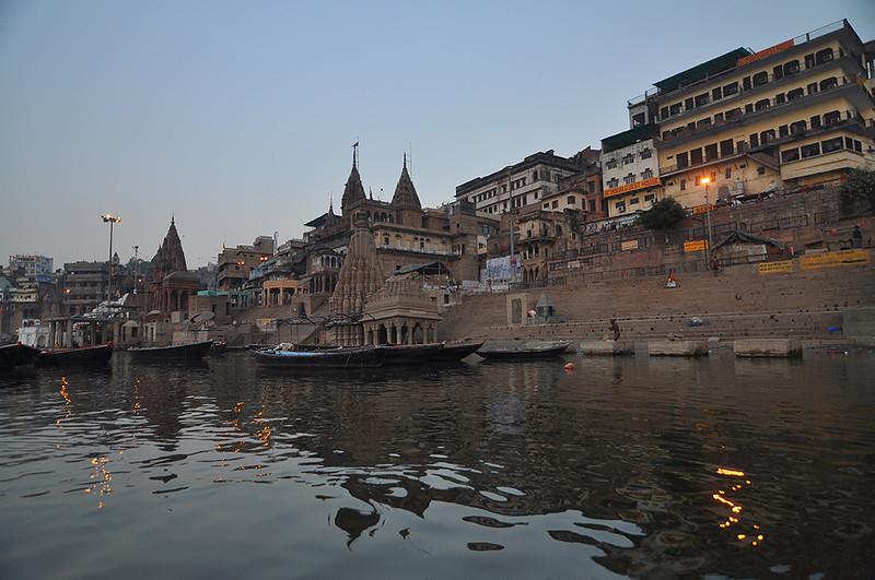 Varanasi-OldMandirs.jpg