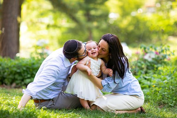 Anstandig Family