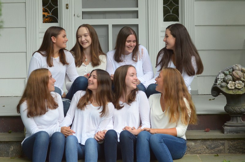 Julia Friend Group Pics - 13 of 308.jpg