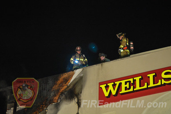 Northumberland County - Mount Carmel Borough - Commercial Fire - 10/29/2016
