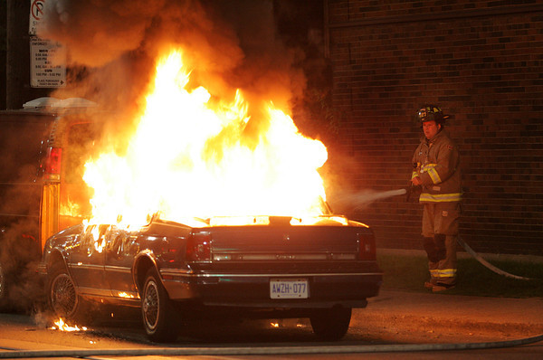September 1, 2008 - Vehicle Fire - Queen St E / Willow Ave