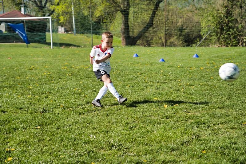 hsv-fussballschule---wochendendcamp-hannm-am-22-und-23042019-u33_46814453475_o.jpg