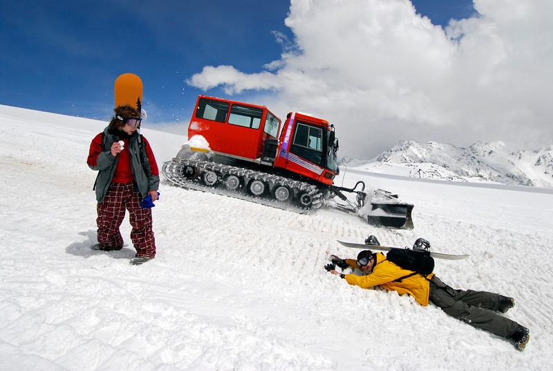 080501 1372 Russia - Mount Elbruce - Day 1 hiking up to Refuge No 11 _E _I ~E ~L.JPG