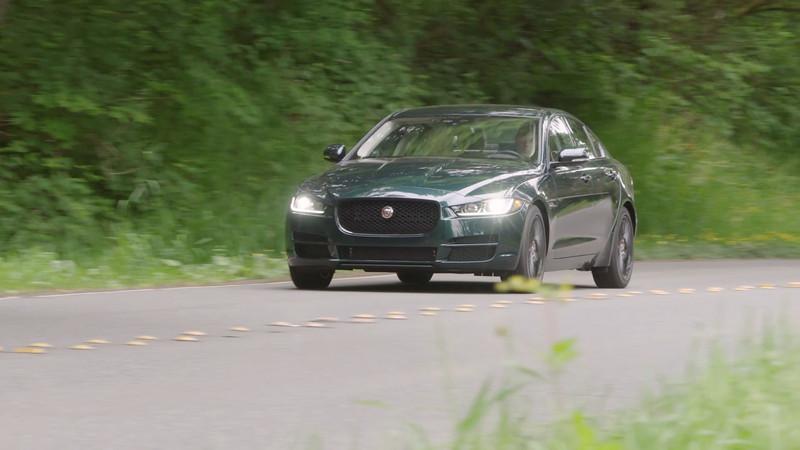 2017 Jaguar XE 25t Driving Reel