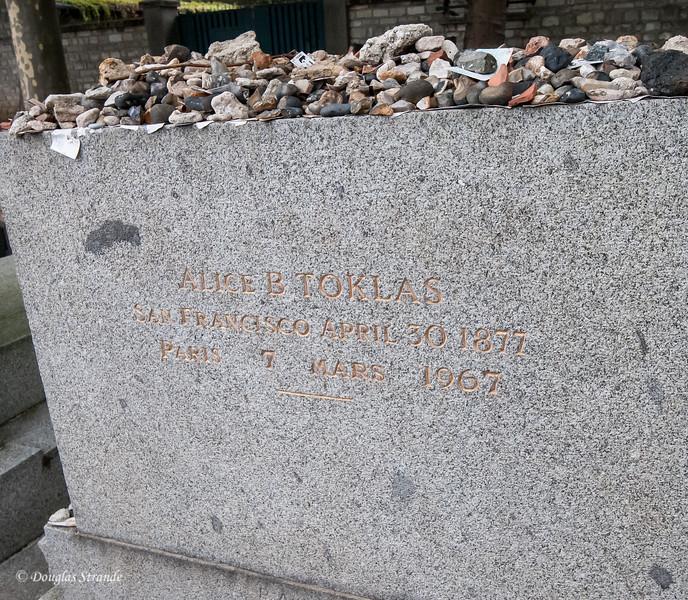 Pere Lachaise cemetary: Alice B. Toklas