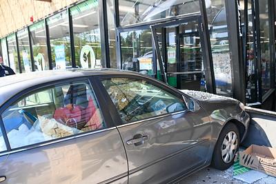 Mastic  Car Gives Dollar Tree A Drivethrough {2021.05.17}