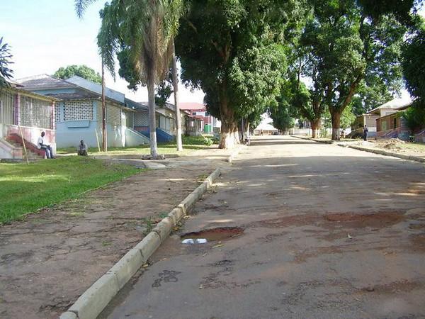 Dundo - rua sem nome - 09.jpg