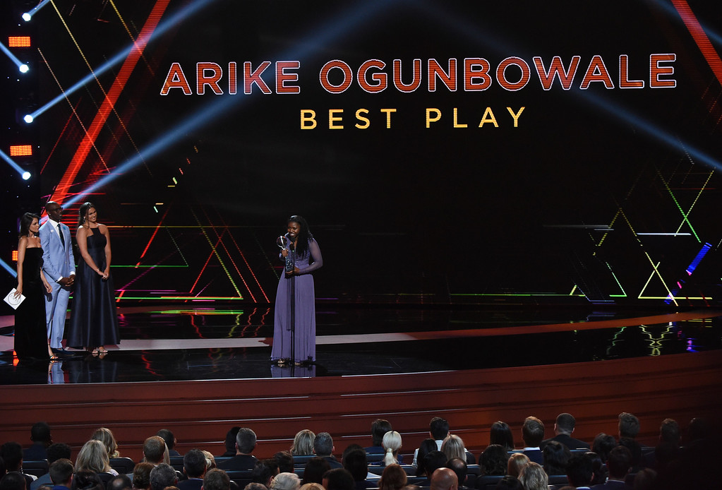 . Notre Dame basketball player Arike Ogunbowale accepts the award for best play for her buzzer-beater to win the women\'s NCAA women\'s basketball championship, at the ESPY Awards at Microsoft Theater on Wednesday, July 18, 2018, in Los Angeles. (Photo by Phil McCarten/Invision/AP)