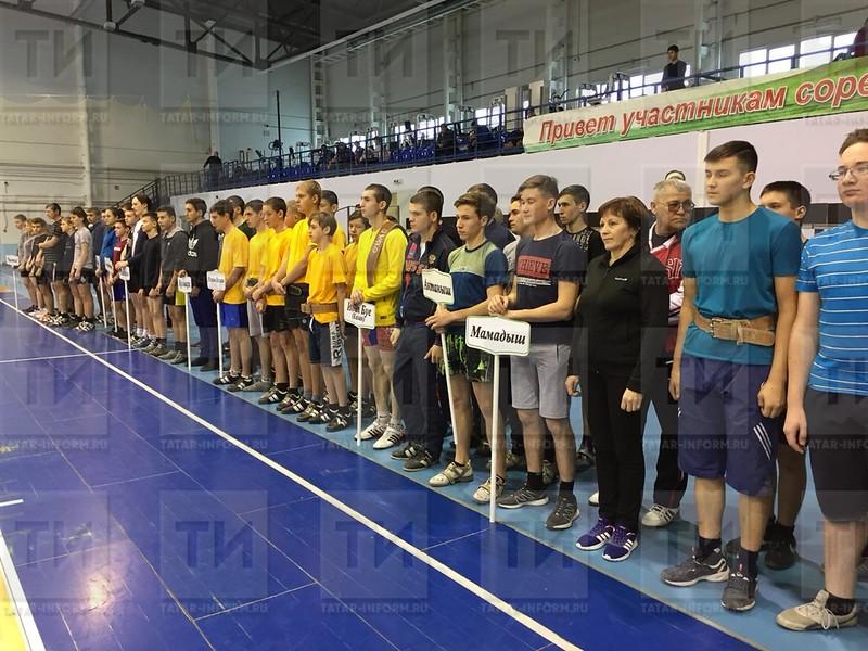 XXI республиканский турнир по гиревому спорту посвященный памяти Тахира Биккениева.  Автор Зухра Валиуллова
