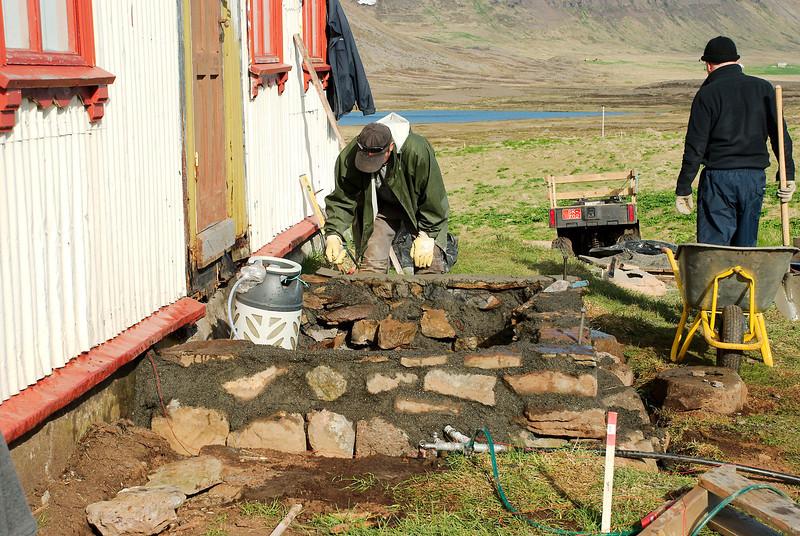 Hlaðið á fullu. Helgi og Guðmundur Lúther.