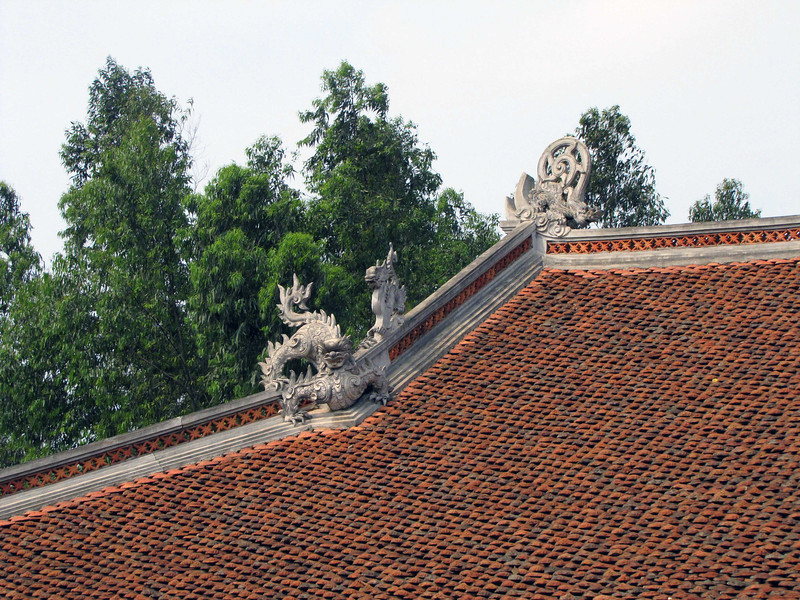 20-Mung Phu Temple roof detail