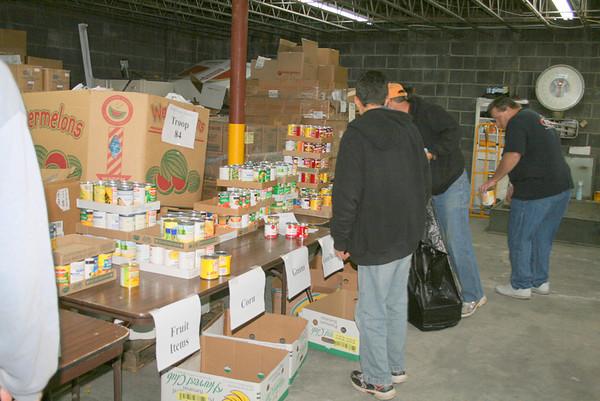 2011, Boy Scouts Sorting Food