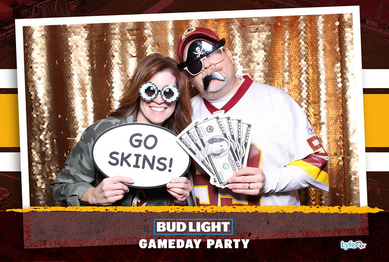 washington-redskins-philadelphia-eagles-football-bud-light-photobooth-20181203-220610.jpg
