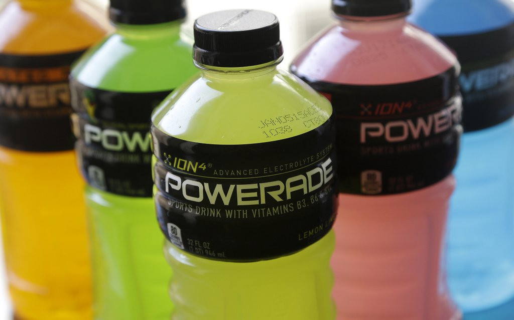 """. <p><b> Coca-Cola officials announced Monday that the company would stop using this product in its Powerade, Fanta and Fresca soft drinks � </b> <p> A. Brominated vegetable oil <p> B. High fructose corn syrup <p> C. Teamster sweat <p><b><a href=\'http://www.twincities.com/business/ci_25695075/powerade-drops-controversial-ingredient\' target=\""""_blank\""""> LINK </a></b> <p>    (AP Photo/Jeff Chiu)"""