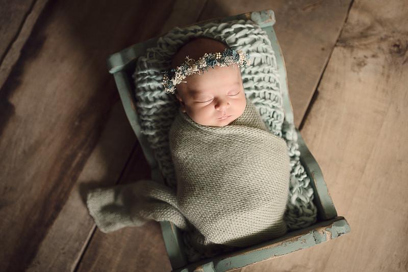 Newborn Loïs HR-2-2.jpg