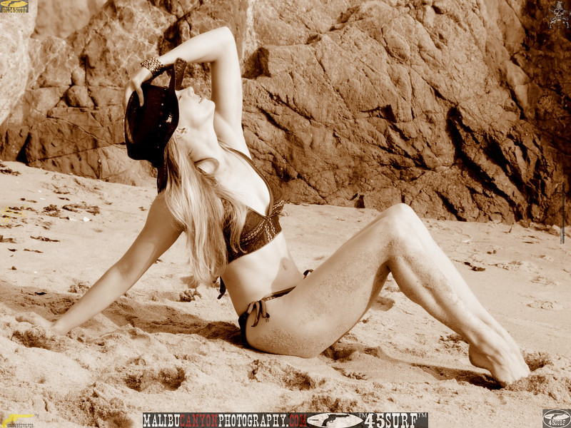 swimsuit model dancer mikini malibu 45surf 417.090.657..
