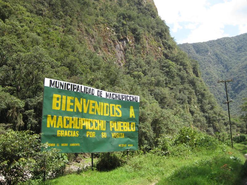 3730 - Bienvenidos a Machu Picchu pueblo.jpg