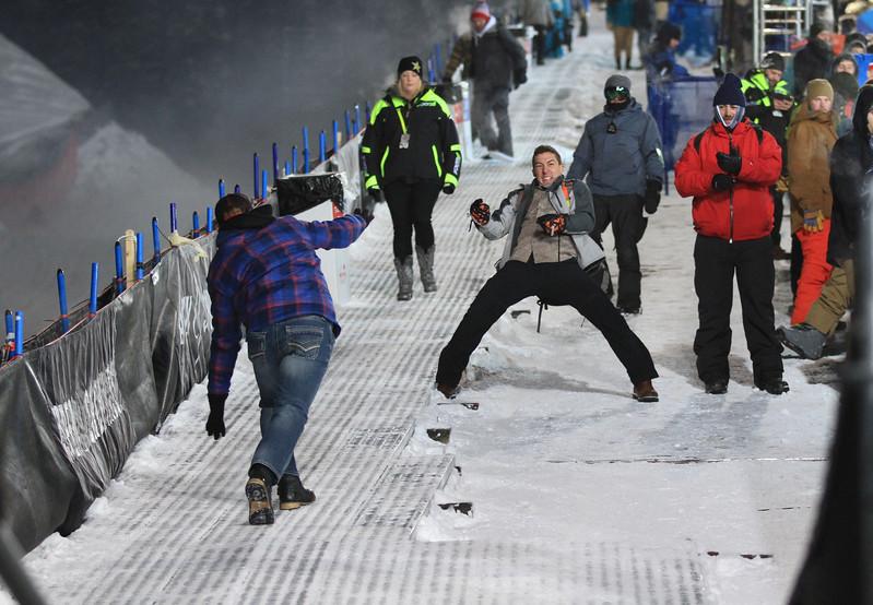 Fans having fun_pipe finals.jpg