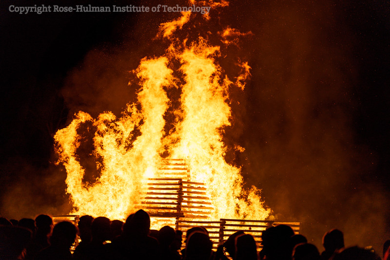 RHIT_Homecoming_2019_Bonfire-7577.jpg