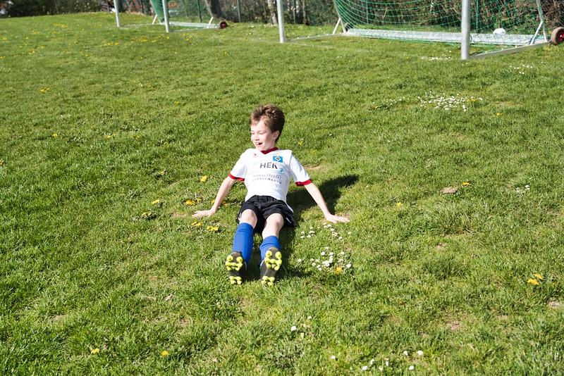 hsv-fussballschule---wochendendcamp-hannm-am-22-und-23042019-y-25_46814458185_o.jpg