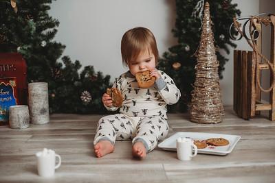 Lindsay - Holiday Mini