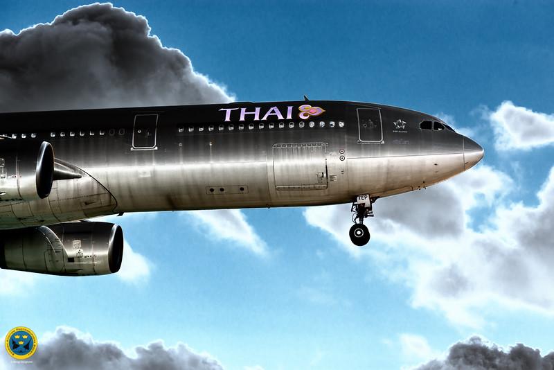 Thai Airways landing at HKT